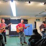 舞台発表 ギター演奏